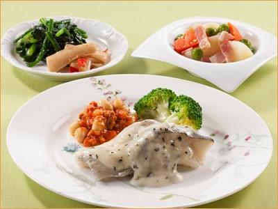 気くばり御膳 鱈のバジルクリームソースとおかず5種